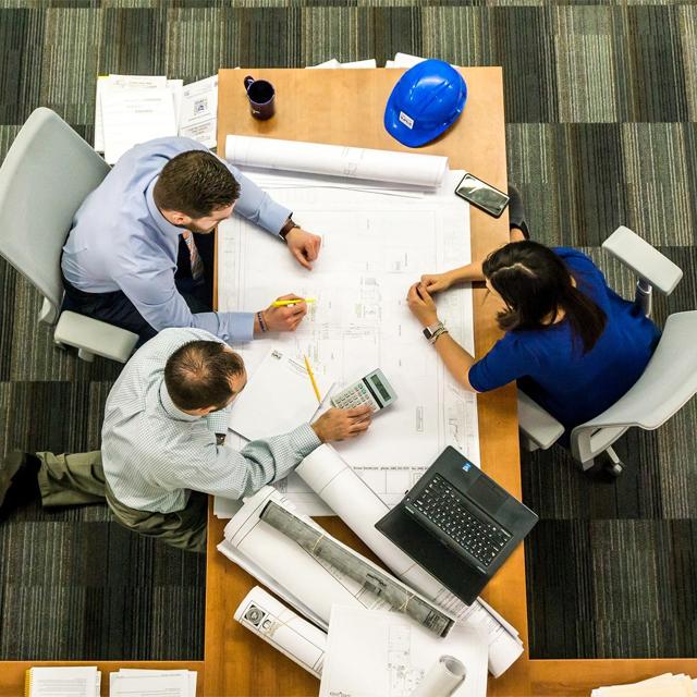 Provozní asistent(ka) stavební výroby